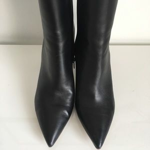 Marc Fisher Black Leather Ankle Booties 10